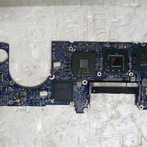 Macbook Pro A1226 820-2101-A Logic Board