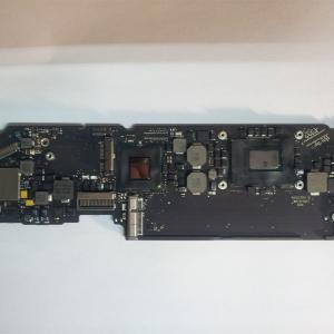 MacBook Air A1465 820-3208-A Logic Board