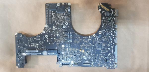 Macbook Pro A1286 820-2915-A Logic Board